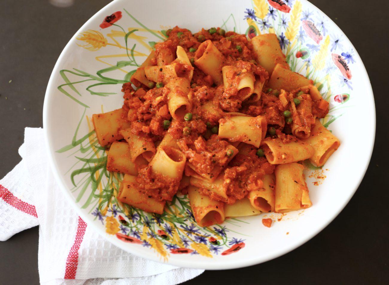 Ricotta-Gemüse Tomatensauce mit Nudeln