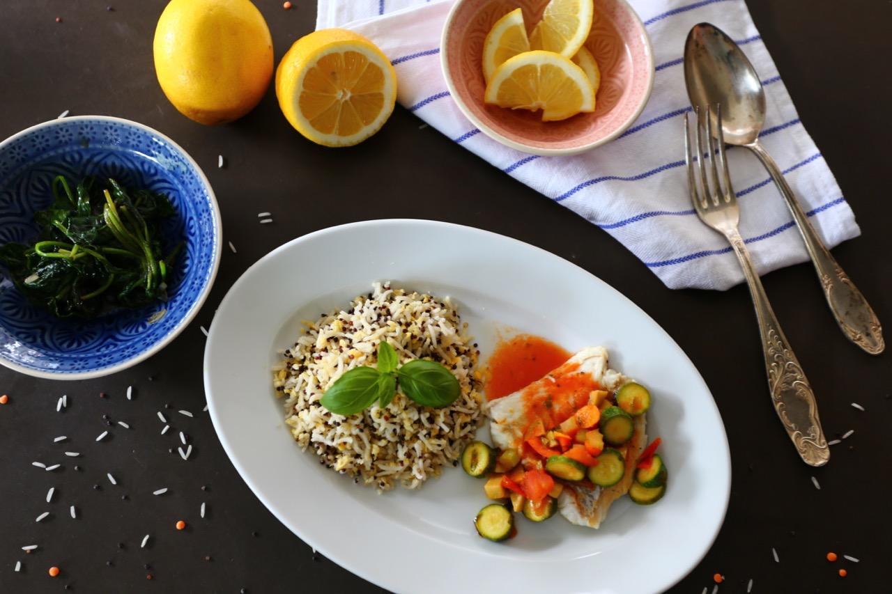 Zanderfilet mit mediterranem Gemüseragout und Spinat